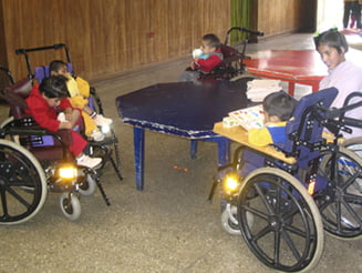 Drumul dramatic prin scoli al copiilor cu handicap: Discriminari, abuzuri, umilinte