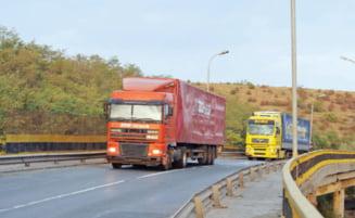 Drumul spre mare, inchis pe podul de la Cernavoda - Vezi rutele ocolitoare