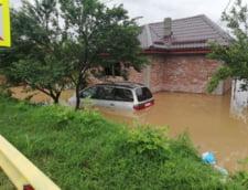 Drumuri nationale afectate de inundatii. Pe centura Capitalei sunt 40 cm de apa