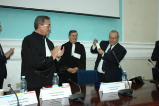 Dubla ceremonie, pentru avocati, la Universitatea din Craiova