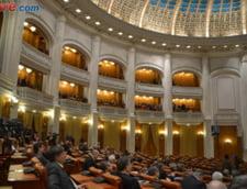 Dublarea alocatiilor, la vot decisiv in Parlament. PNL a amanat pentru ca nu sunt bani, PSD voteaza pentru