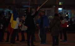 Duminica seara, protestatarii din Slobozia ies din nou in strada. Oamenii se declara nemultumiti de anuntul privind abrogarea Ordonantei 13