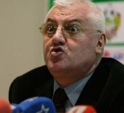 Dumitru Dragomir si-a iesit din minti la DNA: Ba nebunilor, lasati-ma sa plec