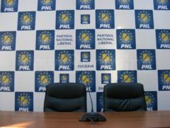 Dumitru Pardau renunta la candidatura PNL pentru Senat, iar Sanda Maria Ardeleanu are sanse mici sa prinda un loc eligibil. Dan Cadariu si Ioan Balan deschid listele PNL la Senat, respectiv Camera Deputatilor