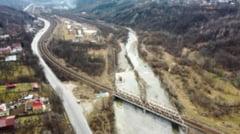 Dupa 15 ani de discutii, se schimba din nou traseul autostrazii Comarnic-Brasov. Noua varianta prevede patru tuneluri de 8 kilometri prin munti