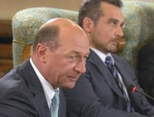 """Dupa Adriana Saftoiu, inca un fost consilier al lui Basescu face """"Cronica de Cotroceni"""": Cam asta e tot ce a contat"""