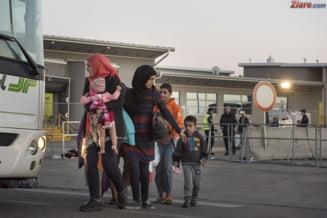 Dupa ce Ungaria s-a baricadat, primele autocare cu imigranti au sosit in alta tara UE