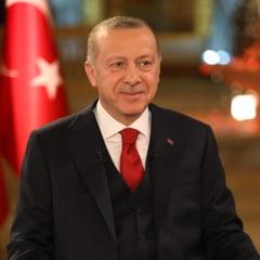 Dupa ce a cumparat rachete de la rusi, Erdogan vrea pace cu SUA: Putem cumpara si de la voi, daca sunt bune! Trump: Vorbesti serios?