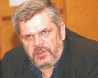 Dupa ce a demisionat din partidul prezidential, Georgica Severin, hotarat sa dea audiente chiar si in cort !