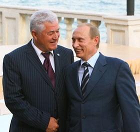 Dupa ce a trecut pe la crama, Putin s-a intalnit vesel cu Voronin
