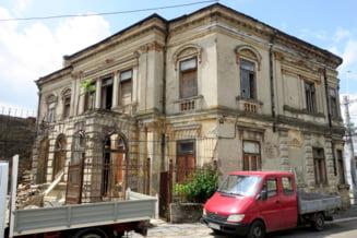 Dupa decenii de suferinta, ruine readuse la viata. Noul proprietar al Consulatului Italiei va restaura imobilul vechi de un secol si jumatate