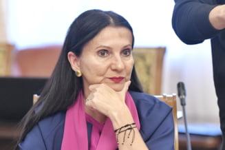 Dupa opt luni de judecata, magistratii din Capitala declina procesul Sorinei Pintea, acuzata de spaga, la Tribunalul Maramures