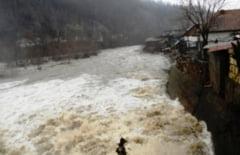 Dupa ploi, vin viiturile: Cod portocaliu de inundatii