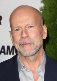 Durul Bruce Willis debuteaza pe Broadway