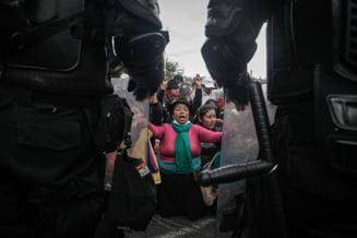 E haos pe strazile din Ecuador: Oameni ai legii rapiti, zone petroliere atacate, drumuri blocate. Presedintele a mobilizat armata (Video)
