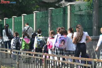 E oficial: Elevii incep scoala pe 9 septembrie si nu mai au vacanta in februarie. Ce alte modificari a mai anuntat ministrul Educatiei