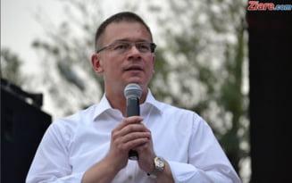 E oficial: Mihai Razvan Ungureanu nu mai este senator