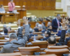 E scandalos cum se voteaza in Parlament bugetul: Sute de maini se numara in cateva secunde (Video)