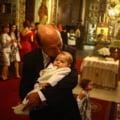 """EBa: Ne-am dorit copii pe care sa-i crestem noi, nu bonele filipineze. Traian Basescu, """"bunicul model"""""""