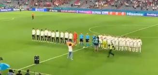 EURO 2020: Momente incredibile la Munchen. Un activist cu un drapel in culorile LGBT a intrat pe teren la meciul Germania - Ungaria VIDEO