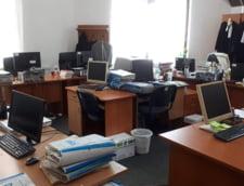 """EXCLUSIV Un procuror castiga daune morale de 10.500 de euro pentru ca statul nu i-a asigurat conditii decente de munca: """"Isi desfasoara activitatea intr-un birou de 20 metri patrati cu inca 11 persoane"""""""