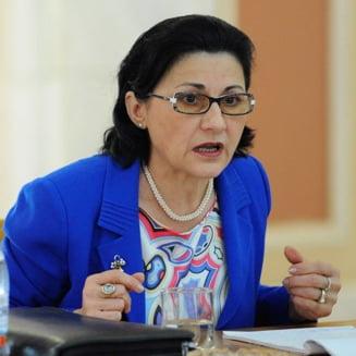 Ecaterina Andronescu, in stare de incompatibilitate