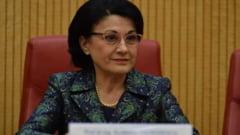 Ecaterina Andronescu si patru parlamentari din partidul lui Voiculescu au depus o initiativa legislativa care elimina privilegiile fostilor presedinti de stat care au colaborat cu Securitatea