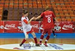 Echipa de fotbal fete a Liceului Sulina, in finala Cupei Coca Cola
