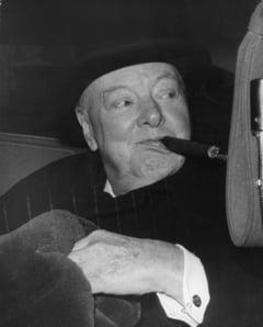 """Educatie politica marca PSD: """"Criminalul Churchill"""", citat de Dragnea in fata tinerilor PSD"""