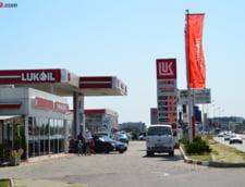 Efectele dosarului Lukoil: Scumpirea carburantilor si scaderea consumului