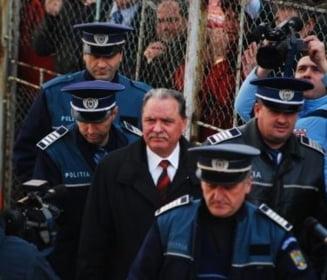 Efectul Nicolescu: Sanatatea arestatilor preventiv, verificata de o comisie de experti