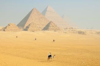 Egiptul a deschis accesul turistilor in doua piramide, pentru prima oara din 1965