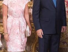 El Mundo: Iohannis si sotia lui, un cuplu ideal, continua sa fie indragostiti