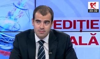 El e Razvan Prisca, deputat PNL Prahova. Razvan Prisca e batut in cap. Nu fiti ca Razvan Prisca