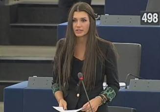 Elena Basescu, in PE: Guvernul face tot posibilul sa opreasca lupta impotriva coruptiei