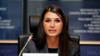 Elena Basescu in PE: Opozitia sustine proiectul USL privind reorganizarea administrativa