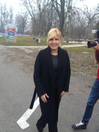 Elena Udrea: Ponta are aceleasi apucaturi ca Nastase, vrea sa puna pumnul in gura presei