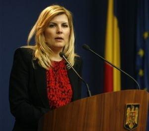 "Elena Udrea, acuzata ca isi face ""PR international"" pe bani publici"