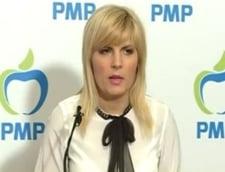 Elena Udrea, fotografiata la Paris cu sefa DIICOT: Liderul PMP acuza serviciile secrete