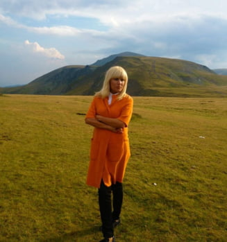 Elena Udrea are probleme financiare dupa divort: Ma mut si-mi schimb masina