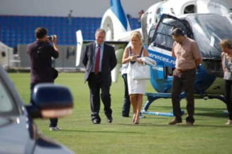 Elena Udrea foloseste un elicopter-taxi in deplasarile oficiale