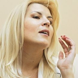 Elena Udrea ii multumeste lui Oprescu si-si anunta demisia, daca nu devine parlamentar
