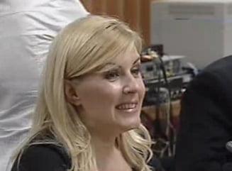 Elena Udrea la Comisia de ancheta: schimb taios de replici si mult circ (Video)