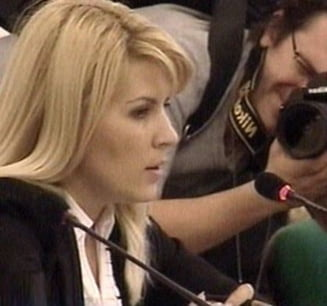 Elena Udrea s-a balbait de emotie la audieri