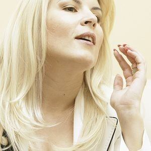 Elena Udrea se instaleaza la Palatul Victoria