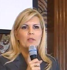 Elena Udrea si-a lansat candidatura la Roman: PDL e in spatele PP-DD