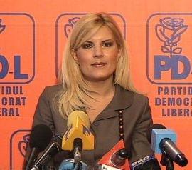 Elena Udrea sustine ca sondajele sunt folosite ca arme politice