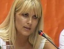 Elena Udrea vrea ca sezonul estival sa tina opt luni