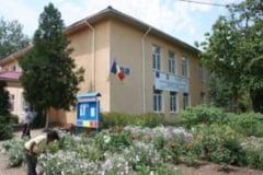Elevi si profesori de exceptie la Scoala din Ostroveni