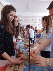 """Elevii calaraseni se pot inscrie la Concursul National """"Stelele Stiintei"""""""